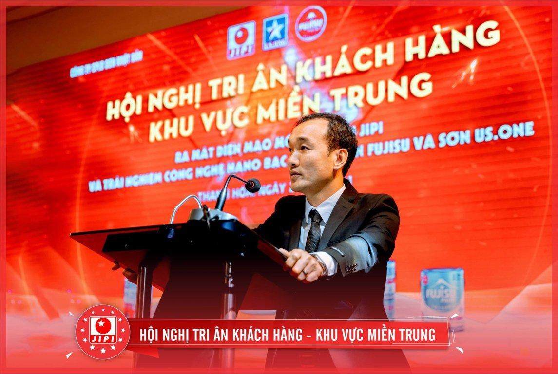 Ông Lê Văn Dũng phát biểu vinh danh tri ân đại lý